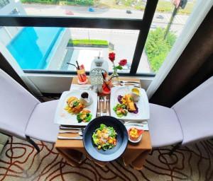 Western set dinner in room 1