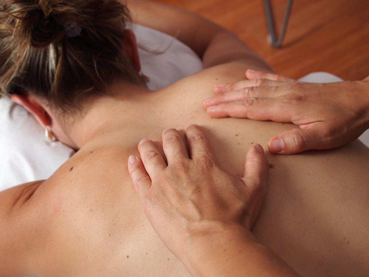 Секс принудительный на массаже, Порно видео с массажем, делает массаж парню 27 фотография